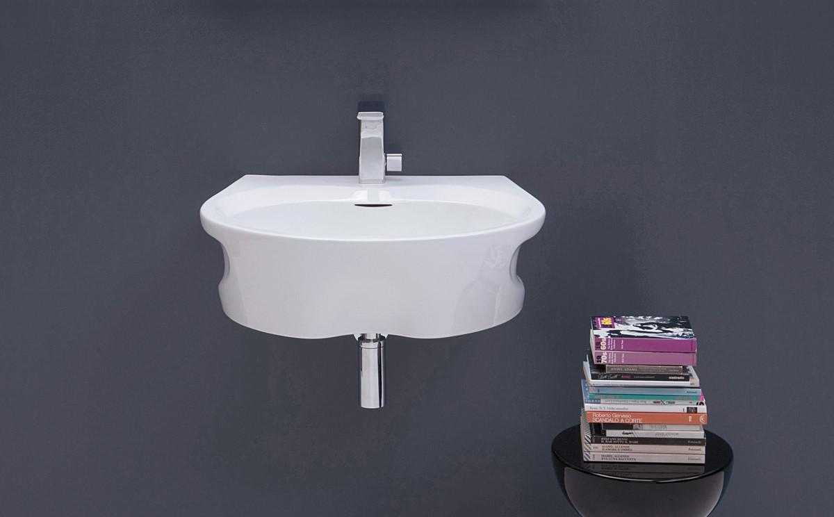 μικρό μπάνιο